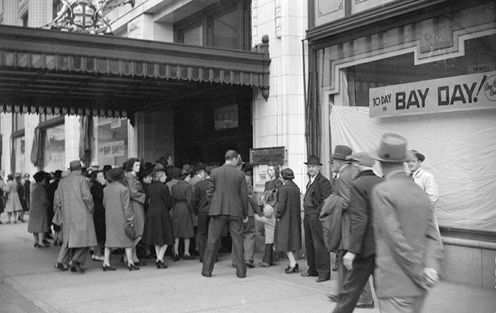 Crowds entering Hudson's Bay Co. on Granville St. Photo: Vancouver Archives Item: CVA 1184-1007