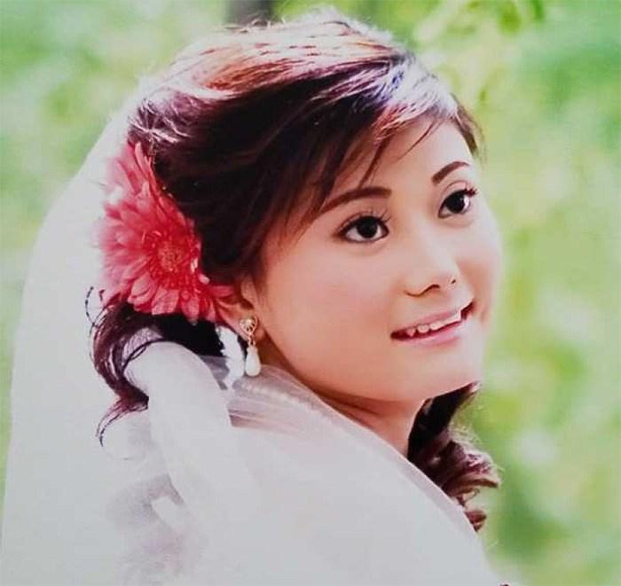 Wei Liu, 37, died during childbirth at Richmond Hospital around midnight on Saturday. She is shown in her wedding photo. Photo: Victor Yu