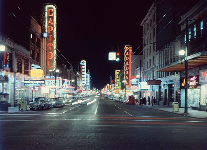 View of the 800 and 900 blocks of Granville Street, 1959. Vancouver Archives Item: CVA 672-1