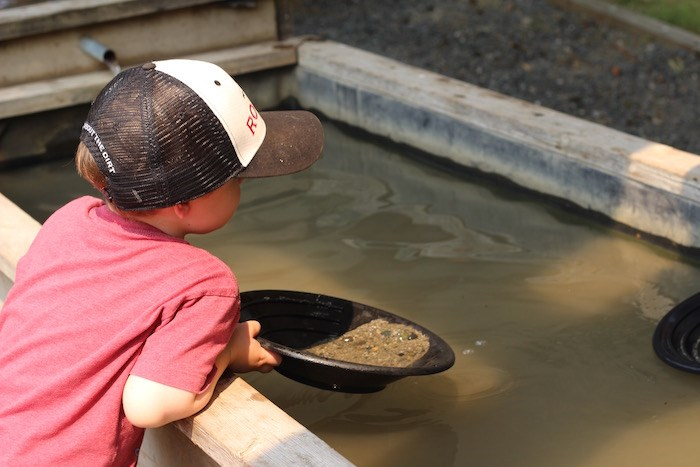 Panning for gold at the Yale Historic Site (Lindsay William-Ross/Vancouver Is Awesome)