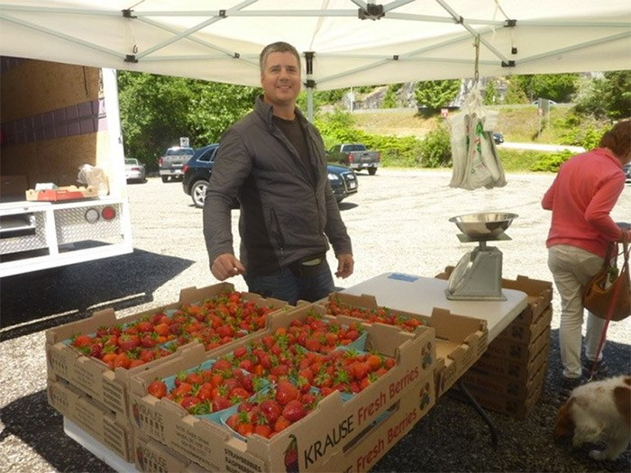 For a quarter century, Brian Latta has sold local fruits and veggies from the side of the road, four months a year.