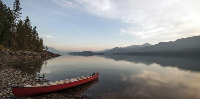 Canoe at Harrison Lake, B.C./Shutterstock