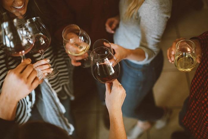 Drinking wine/Unsplash
