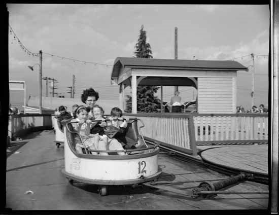 Playland ride, 1950s (Vancouver Public Library)