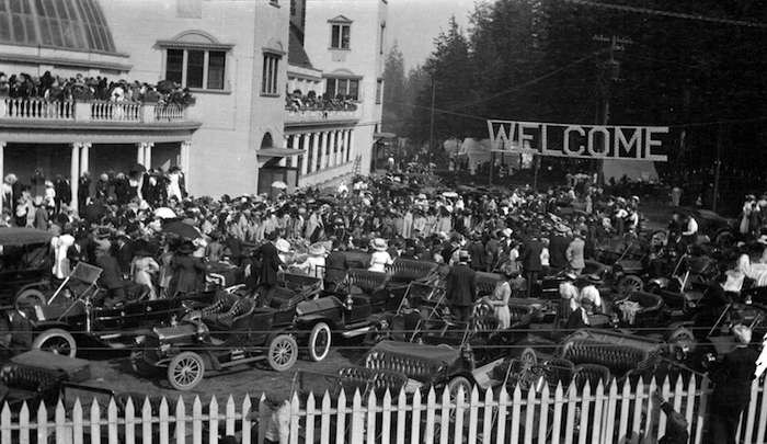Crowds gather to watch the opening of the first PNE, 1910 (Vancouver Archives)