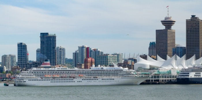Cruise ship in Vancouver/Shutterstock