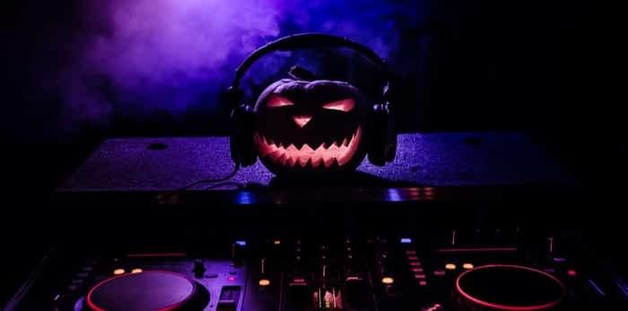 Photo: Halloween pumpkin DJ / Shutterstock