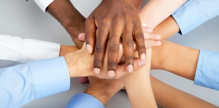 British Columbians feel better about volunteering with others than solo. Photo: Shutterstock
