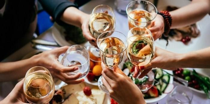 Dinner party/Shutterstock