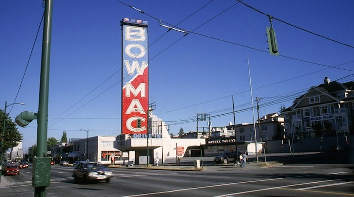 The Bowmac sign at the front of the lot as seen in 1995 before Toys R Us was constructed (