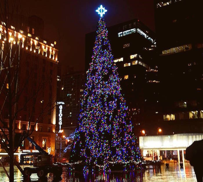 Vancouver's beautiful 76-foot tall Christmas Tree will be lit on Nov. 30, 2018 (@meghanthomas28/