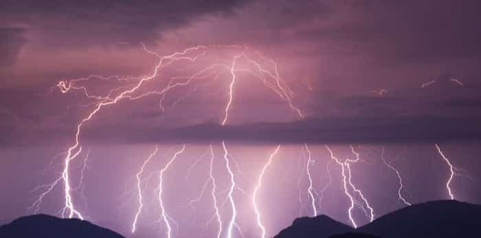 Lightning bolt/Shutterstock