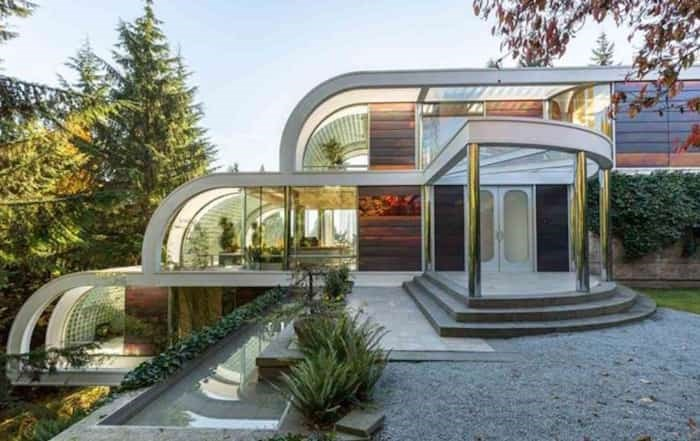 Eppich House 2 by Arthur Erickson is built from curved steel beams, made by the original owner of the house who is listing the home for the first time. Listing agent: Eric Latta
