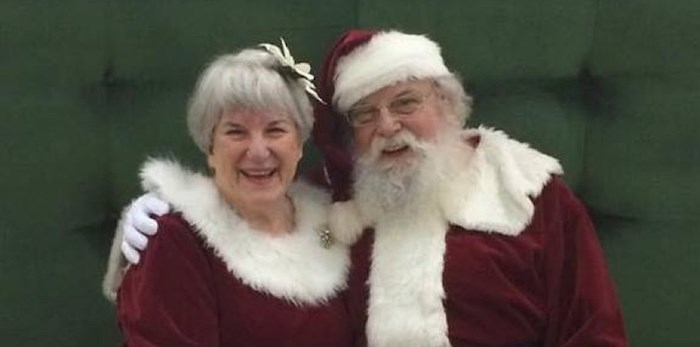Santa Chris and Mrs. Claus. Photo: The REAL Santa and Mrs. Claus/Facebook