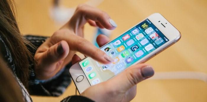iPhone (franz12 / Shutterstock.com)