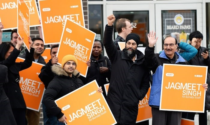 NDP leader Jagmeet Singh stood with supporters at the corner of Royal Oak Avenue and Imperial Street on Sunday. Photo by Jennifer Gauthier