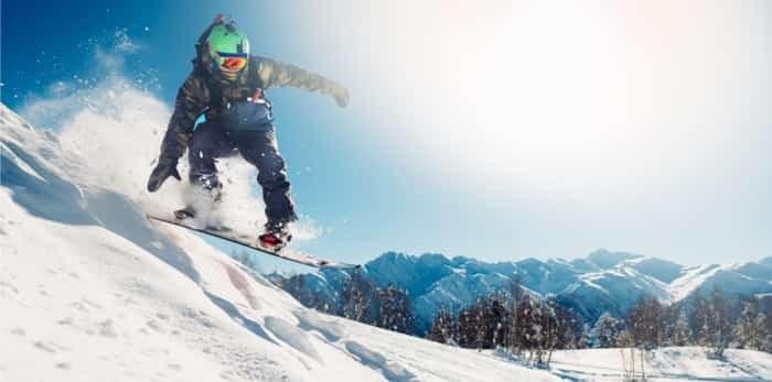 snowboarding / shutterstock