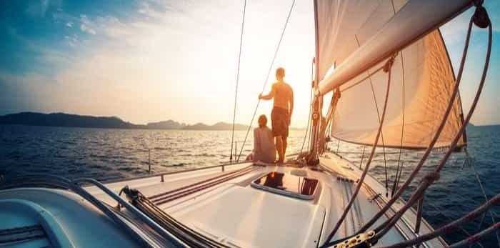 people on yacht / Shutterstock