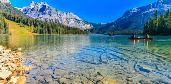 Emerald Lake, Yoho National Park in Canada / Shutterstock