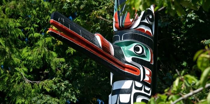 A totem pole in Victoria, B.C./Shutterstock