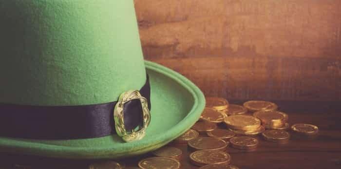 Leprechaun hat and gold coins / Shutterstock