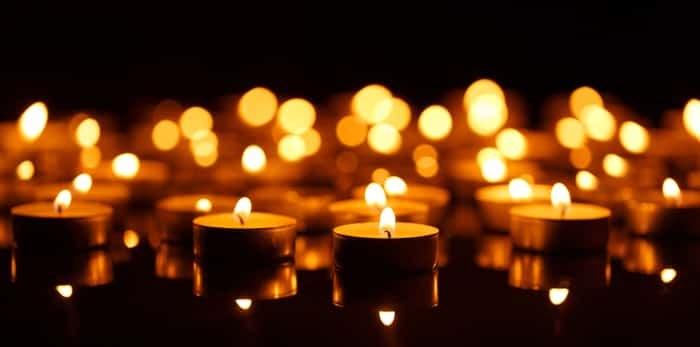 Candlelit vigil / Shutterstock