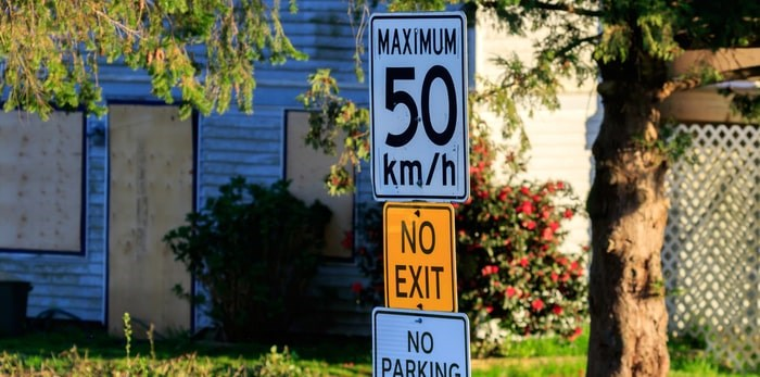 Speed limit sign/Shutterstock