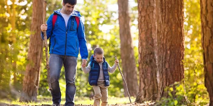 Photo: Father and son hiking / Shutterstock