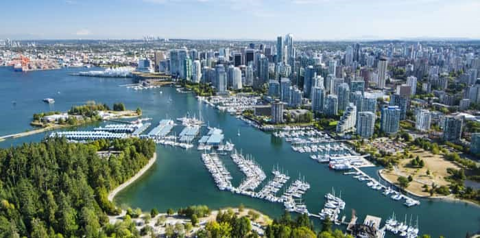 Photo: Aerial image of Stanley Park and Coal Harbour / Shutterstock