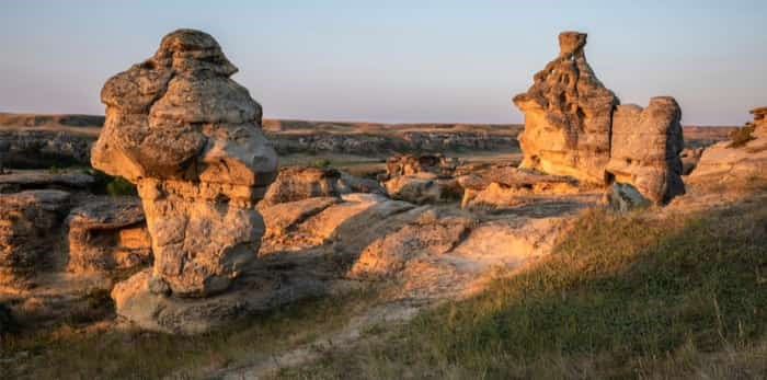 Photo: Writing on Stone Provincial Park at Dawn / Shutterstock
