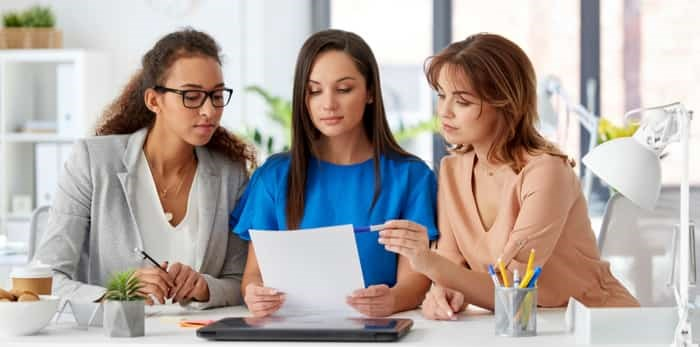 Photo: women entrepreneurs / Shutterstock