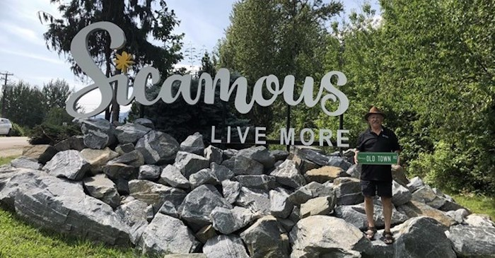 About half a dozen Old Town Road signs started disappearing from an intersection in Sicamous, B.C., a few months ago. Photo via Canadian Press