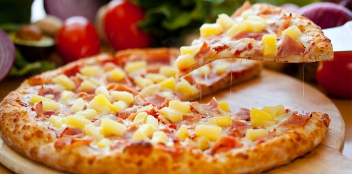Hawaiian pizza. Photo: Shutterstock / El Nariz