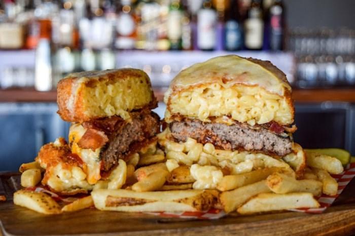Cavu kitchen bar's Le Big Mac N' Cheese Burger. Photo via Le Burger Week
