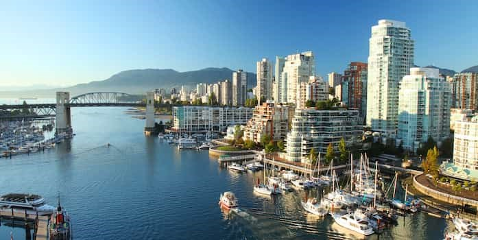Photo: Vancouver harbour / Shutterstocck