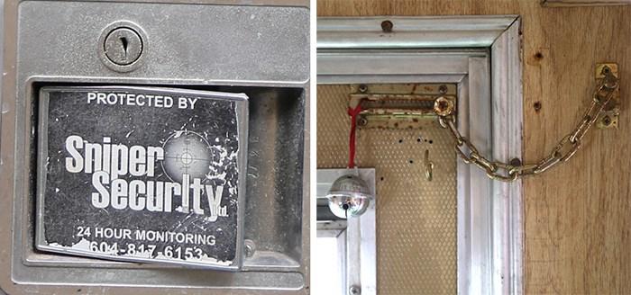 Don't come a knockin'. Photos Bob Kronbauer