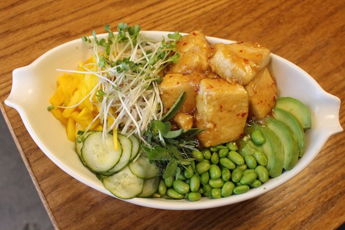 Sweet Chili Tofu Bowl. Photo by Lindsay William-Ross/Vancouver Is Awesome