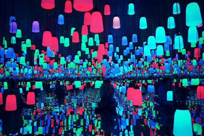 Moon & Back Gallery in Richmond has Vancouver's first-ever 'infinity mirrored light gallery' and other theme rooms perfect for Insta-holics. Photo via