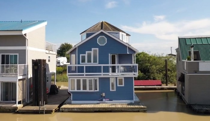 Can you imagine living the float home life? Get a preview with this realtor's video tour of a current listing. Screenshot/YouTube