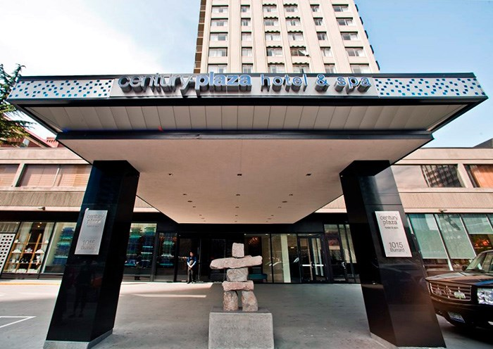 Photo: Century Plaza Hotel