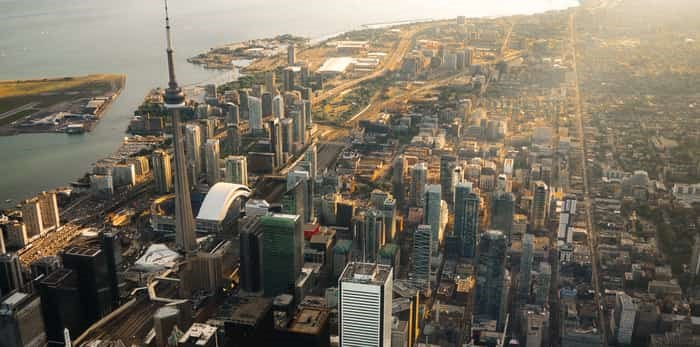 Photo: Aerial view of Toronto / Shutterstock