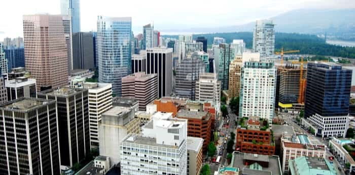 Roomvu calculated the average price per square foot, each apartment separating each level from the ground floor to the 65th level.Photo: downtown Vancouver buildings / Shutterstock