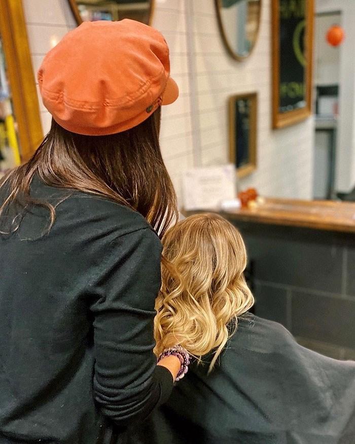 Photo: Is. Salon
