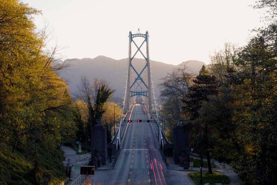 Lions Gate bridge spencer-watson-vancouver-covid19-3