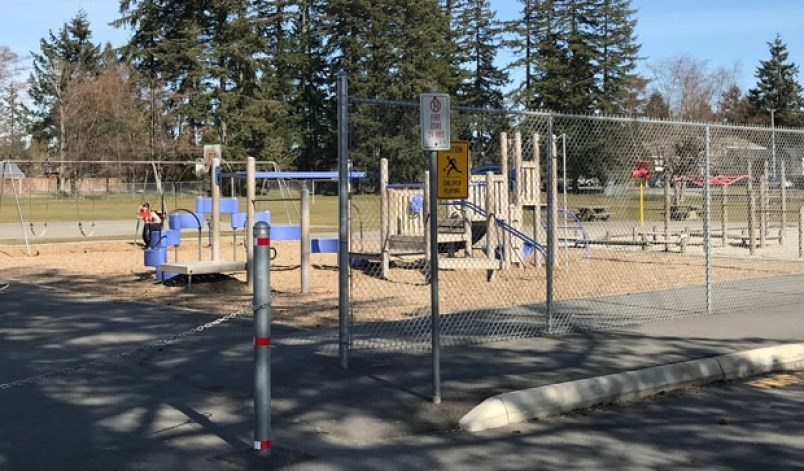 Ontario shutters playgrounds, beaches as emergency order extended over COVID-19