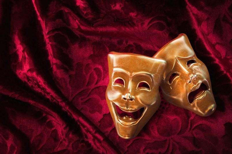 istock-masks-theatre-comedy-drama
