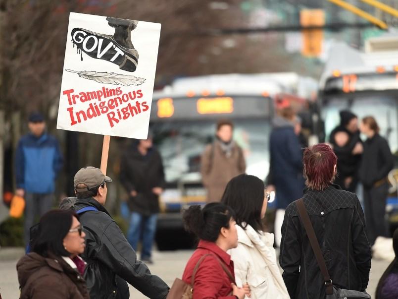 protests-supporting-wet-suwet-en