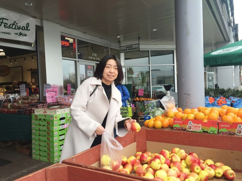 wuhan-native-helps-self-quarantined-travellers-in-richmond-0