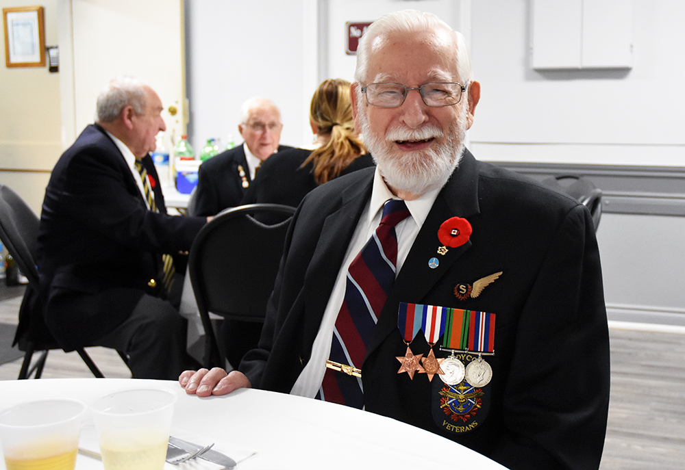 Innisfil Lions Club honours veterans at annual dinner (20 photos) - BarrieToday