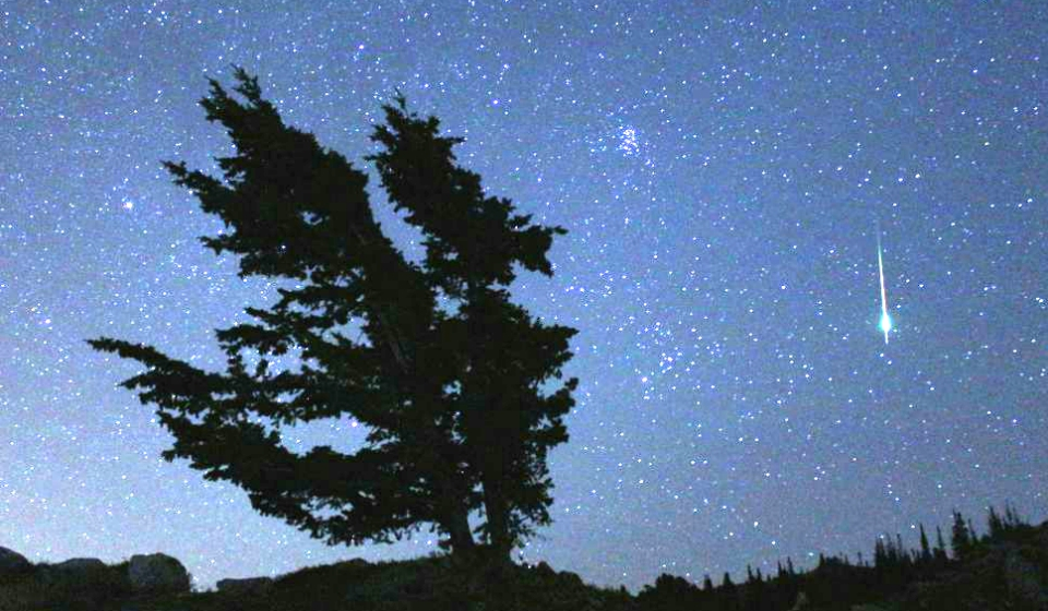 Leonids putting on a meteor show this weekend